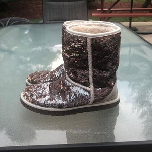 Switch Color Sparkle UGG boots
